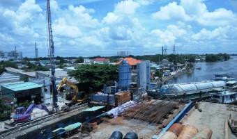 Thi công hạng mục cống kiểm soát triều Phú Định